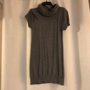 EUC - Forever Grey Short Sleeved Turtleneck Tunic